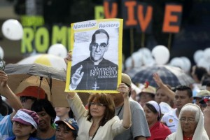 afp-salvadoran-voice-of-voiceless-archbishop-romero-beatified-300x200